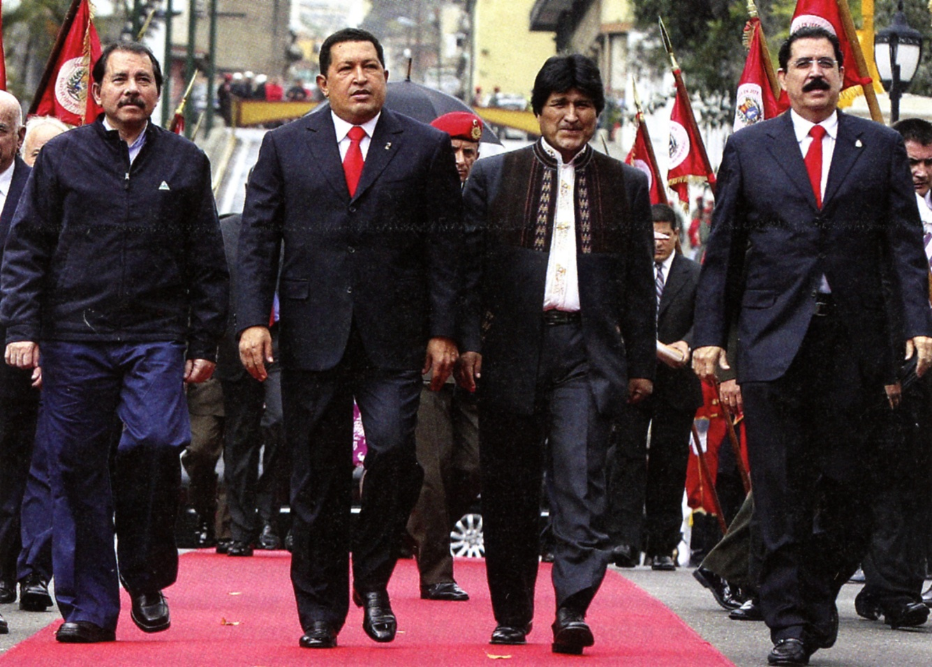 Resultado de imagen para fotos de Mel zelaya y Chavez